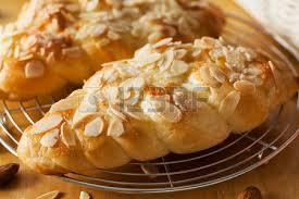 Almond Bun